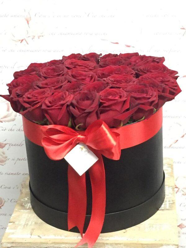 Box/Scatola cappelliera con rose rosse