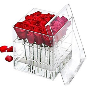 Cubo plexiglass con 9 rose rosse
