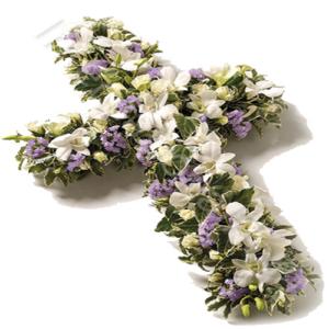 fiori misti sulle tonalità del bianco e lilla