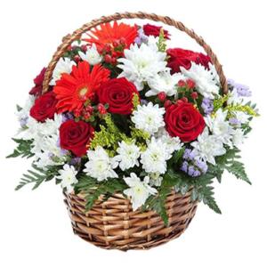 composizione in cesto fiori misti rossi