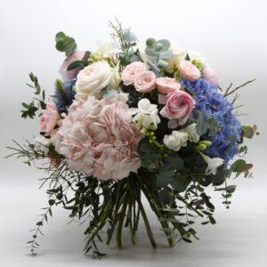 Bouquet fiori misti rosa e azzurri