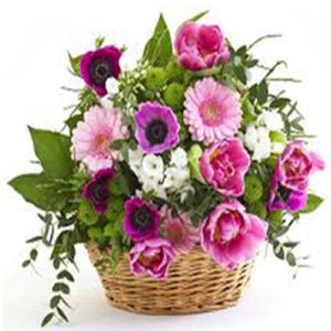 composizione in cesto fiori misti di stagione