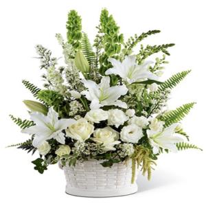 composizione fiori di stagione bianco